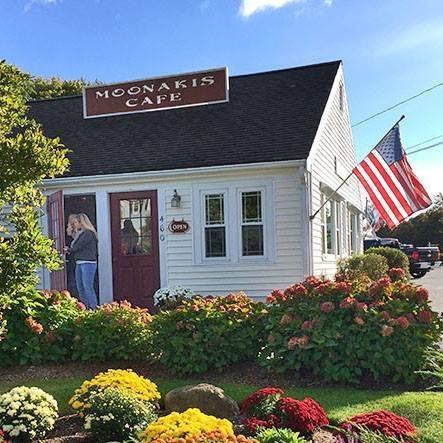 Moonakis Cafe Waquoit, MA. A great year-round cafe in Falmouth on Cape Cod.