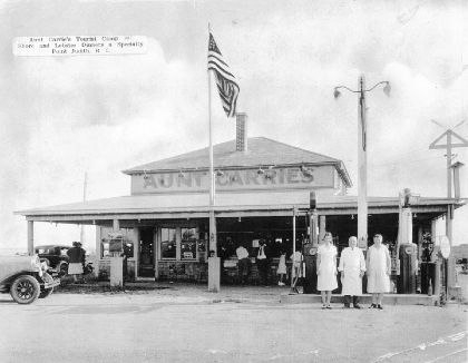 Black and white Old picture of Aunt Carrie's in Narragansett, RI